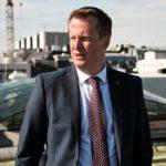 Utredning om genomförande av NIS-direktivet överlämnad till inrikesminister Anders Ygeman
