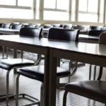 46-åring avled efter knivdåd på skola