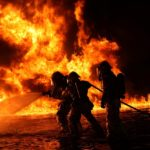 Två brandbekämpningsflyg från Italien flygs in