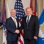 Sverige i fördjupat militärt samarbete med Finland och USA