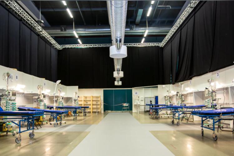 De första vårdplatserna i Stockholmsmässan står klara