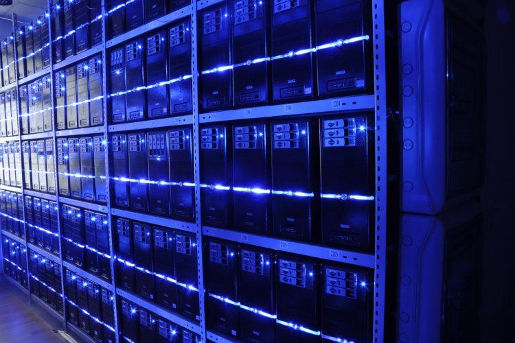 Schneider i samarbete för att utveckla vätskekylningslösningar för datacenter