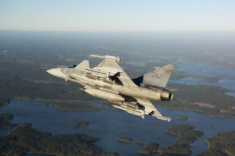 Saab har fått en beställning för uppgradering av Gripen