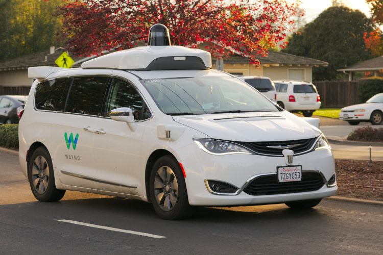 Självkörande taxitjänst från Google i startgroparna